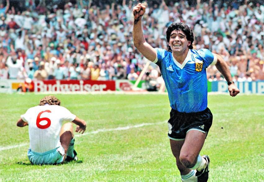 Les enquêtes se poursuivent ce lundi, pour faire la lumière sur la mort de l'Argentin Diego Maradona
