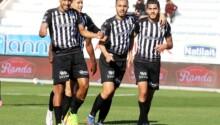 CS Sfaxien célébrant la victoire