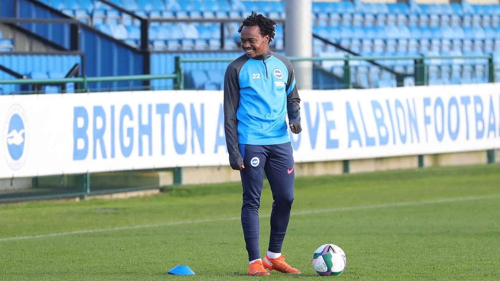 Percy Tau tout heureux de revenir à Brighton & Hove Albion.
