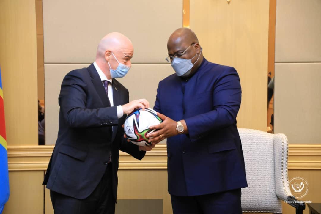 Le président de la FIFA Infantino et le président de la RDC Félix Tshisekedi