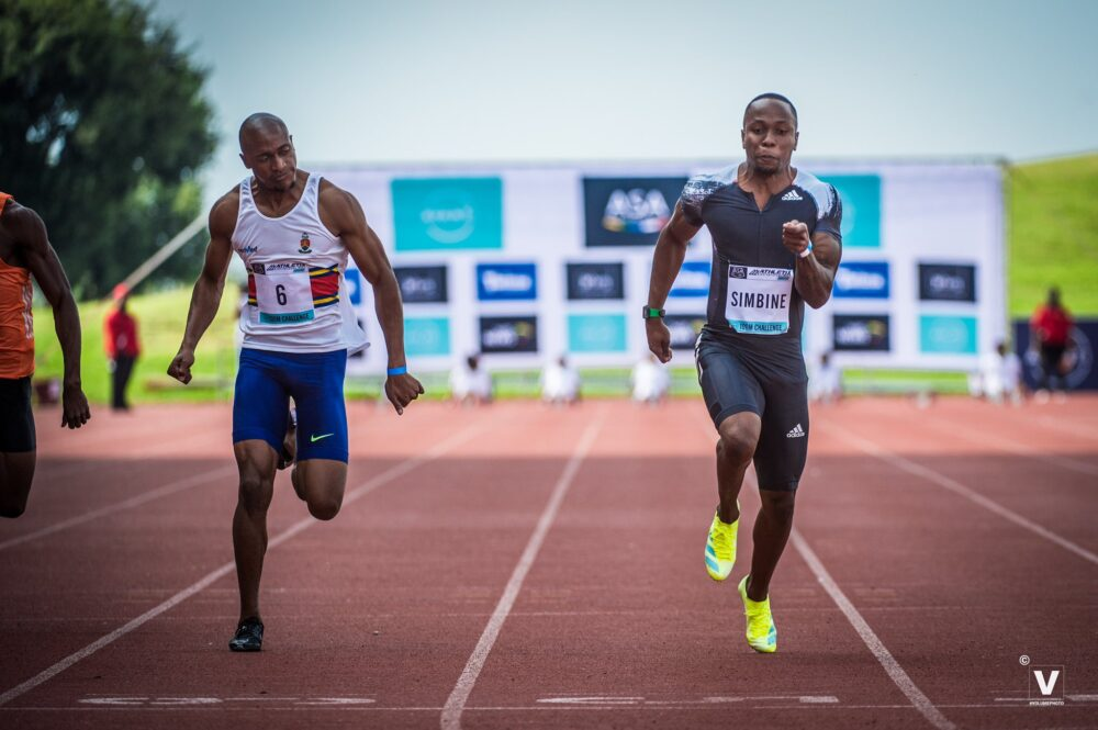Akani Simbine gagne son 100m en 9s99