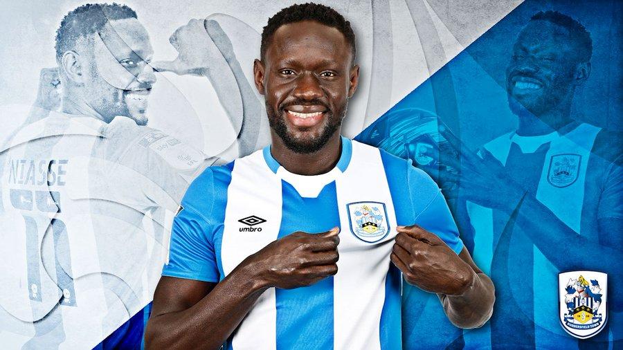 Baye Oumar Niasse s'engage avec Huddersfield
