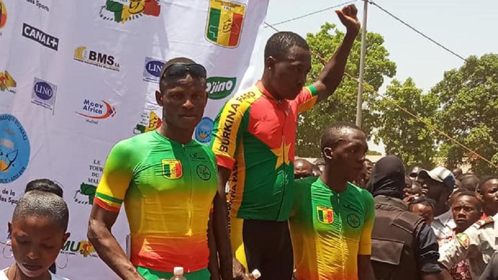 Le podium de l'arrivée de la 4e étape du Tour cycliste du Mali.