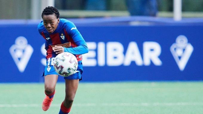 Thembi Kgatlana marque son 10e but avec Eibar