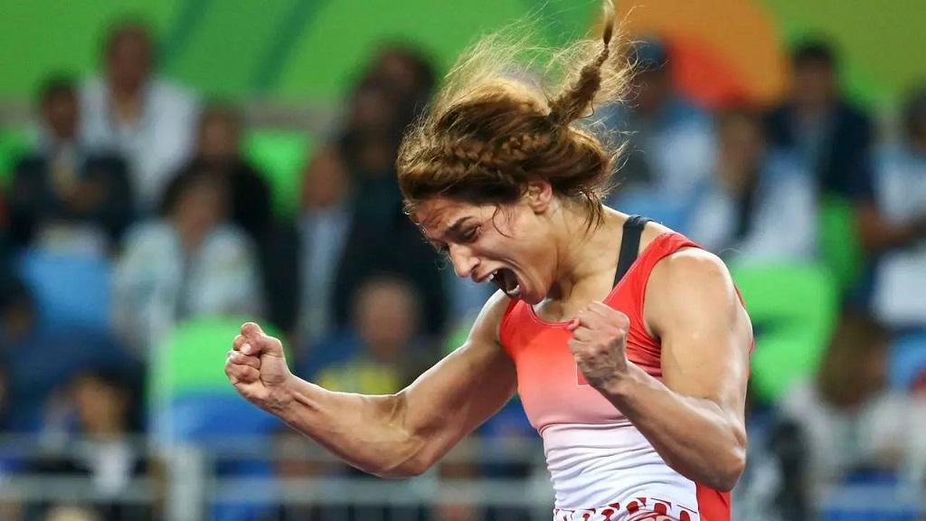 Marwa Amri, la lutteuse tunisienne décroche son billet pour les JO Tokyo 2021.
