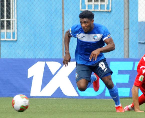 Anayo Iwuala jouant dans son club Eyimba FC D1 au Nigéria