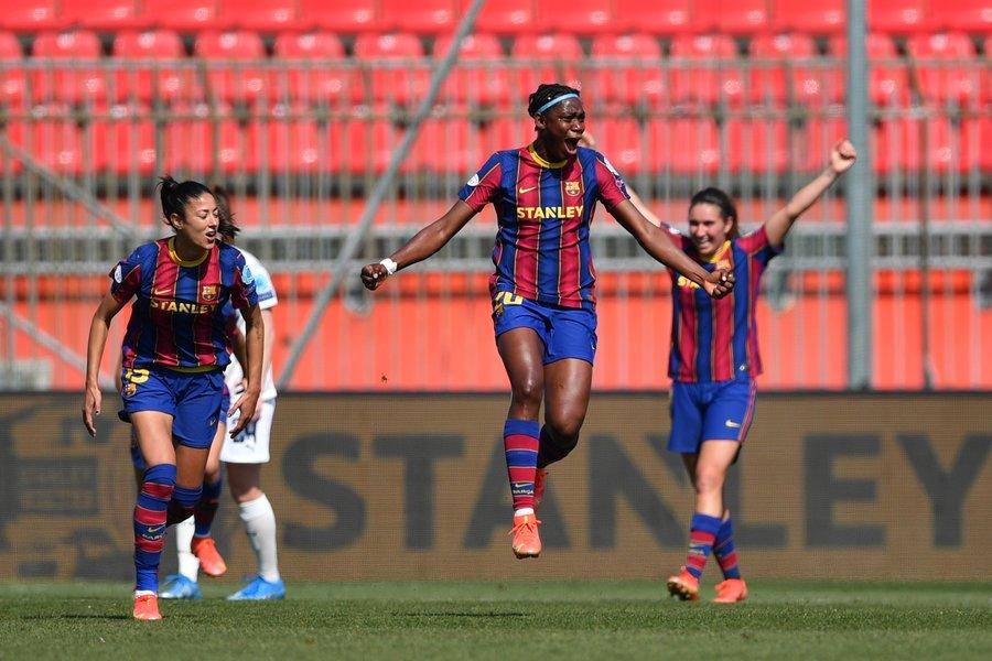 Asisat Oshoala et le Barça en route vers le triplé