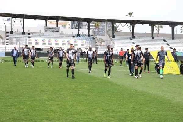 Les joueurs du Club Sfaxien tête basse.