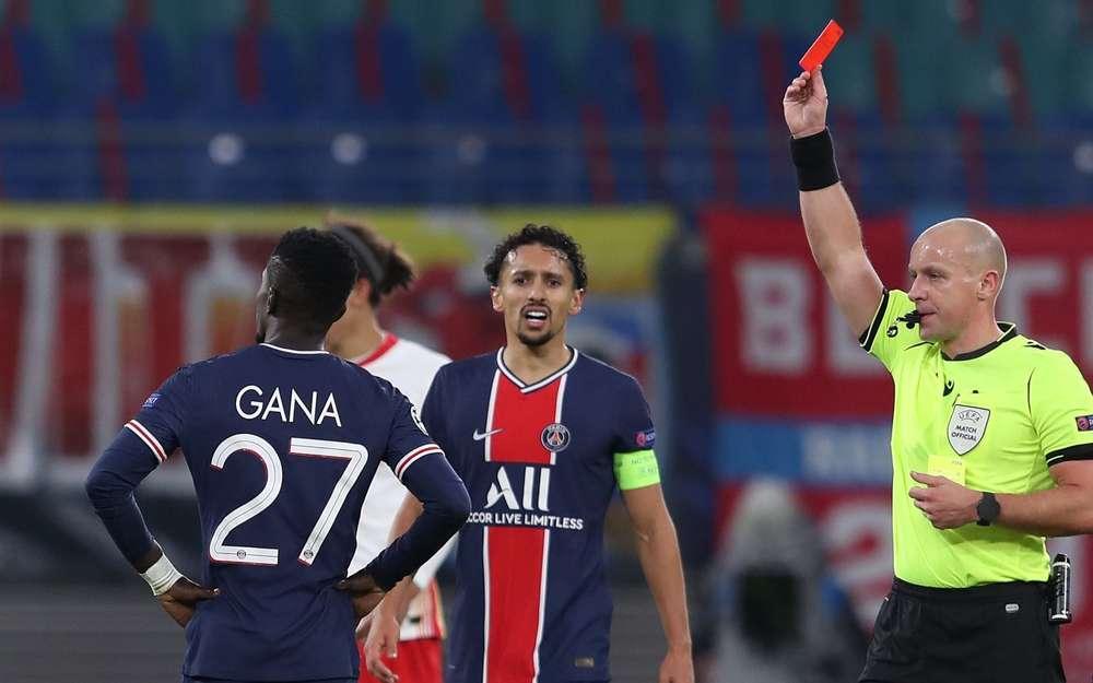 Gana Guèye lors de son exclusion à la 77e minute de PSG-Manchester City (1-2, demi-finale aller LDC).