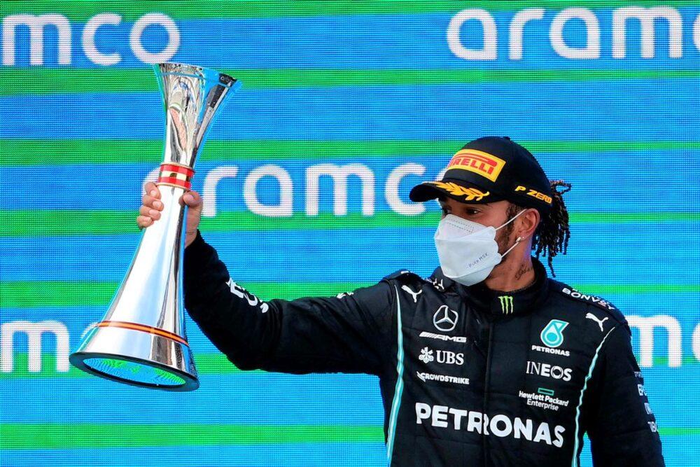 Lewis Hamilton remporte le Grand d'Espagne