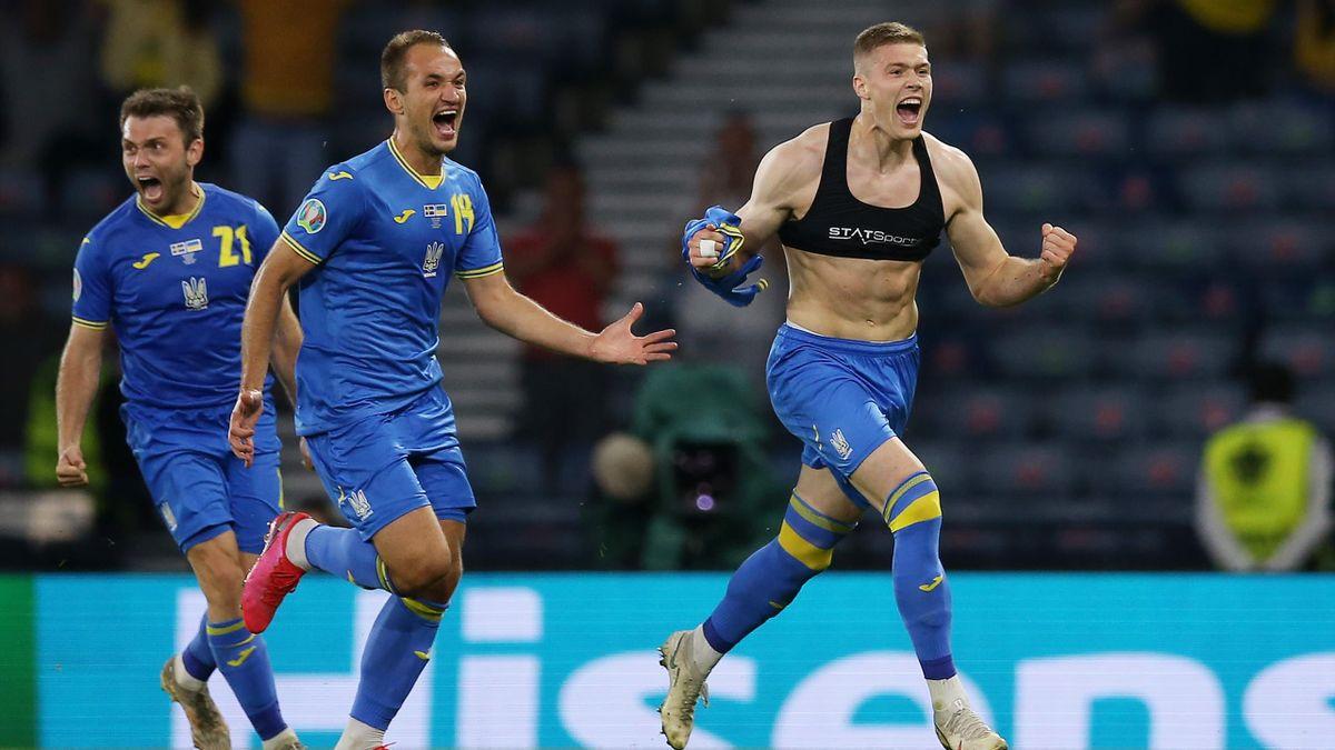 Les Ukrainiens célèbrent leur but de la qualification marqué à la 120e minute