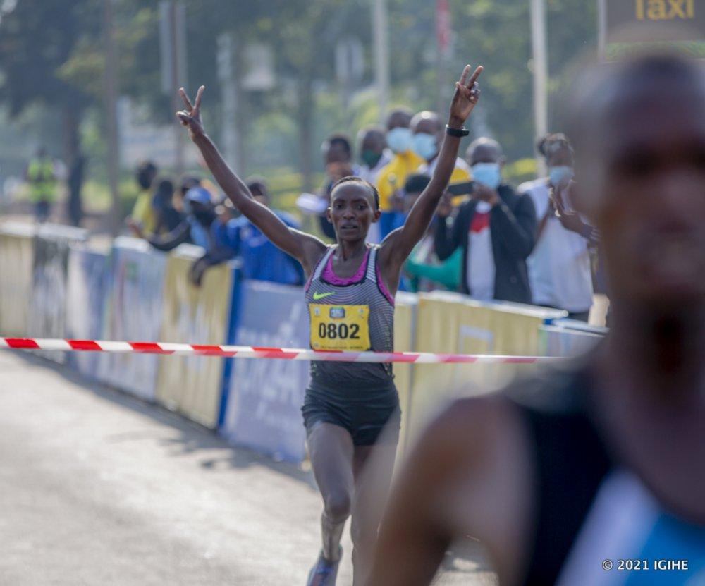 CHERUTO, vainqueur du marathon de la Paiix