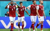 L'Autriche rejoint les Pays-Bas pour les huitièmes de finale, pour la première fois .