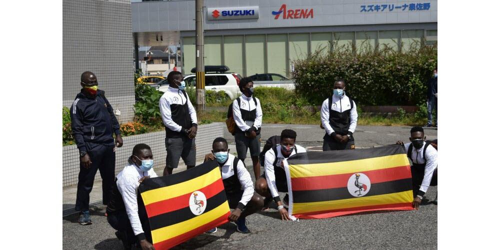 La délégation ougandaise en quarantaine apres son arrivée à Tokyo.