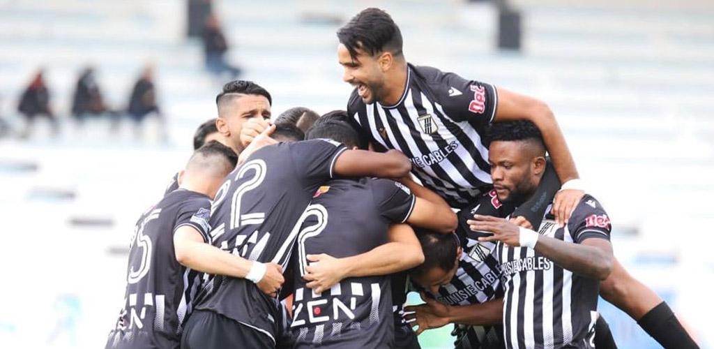 La joie des joueurs du CS Sfaxien, qualifiés en finale de la Coupe de Tunisie.