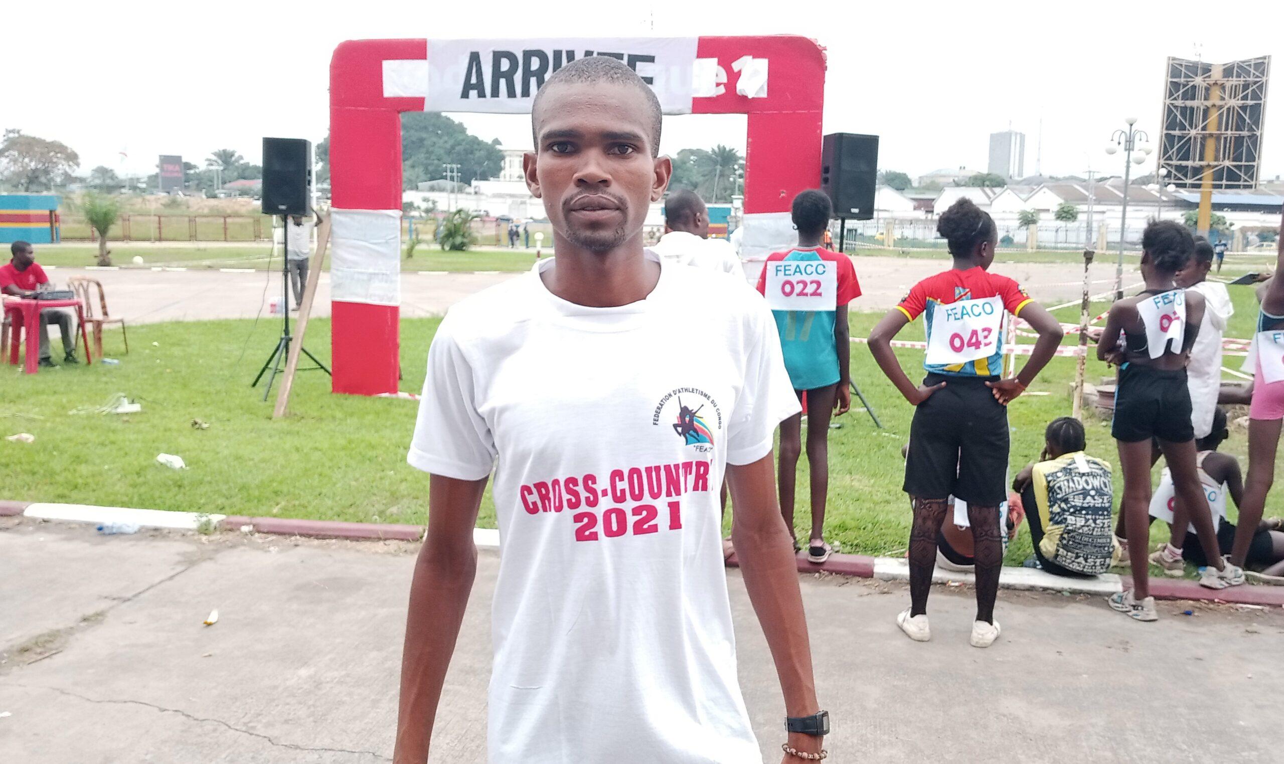 Clestin Ndikumana, vainqueur du 10 000 m du Meeting de Kinshasa.