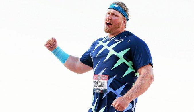 Ryan Crouser bat le record du monde du lancer de poids et se qualifie pour les JO de Tokyo