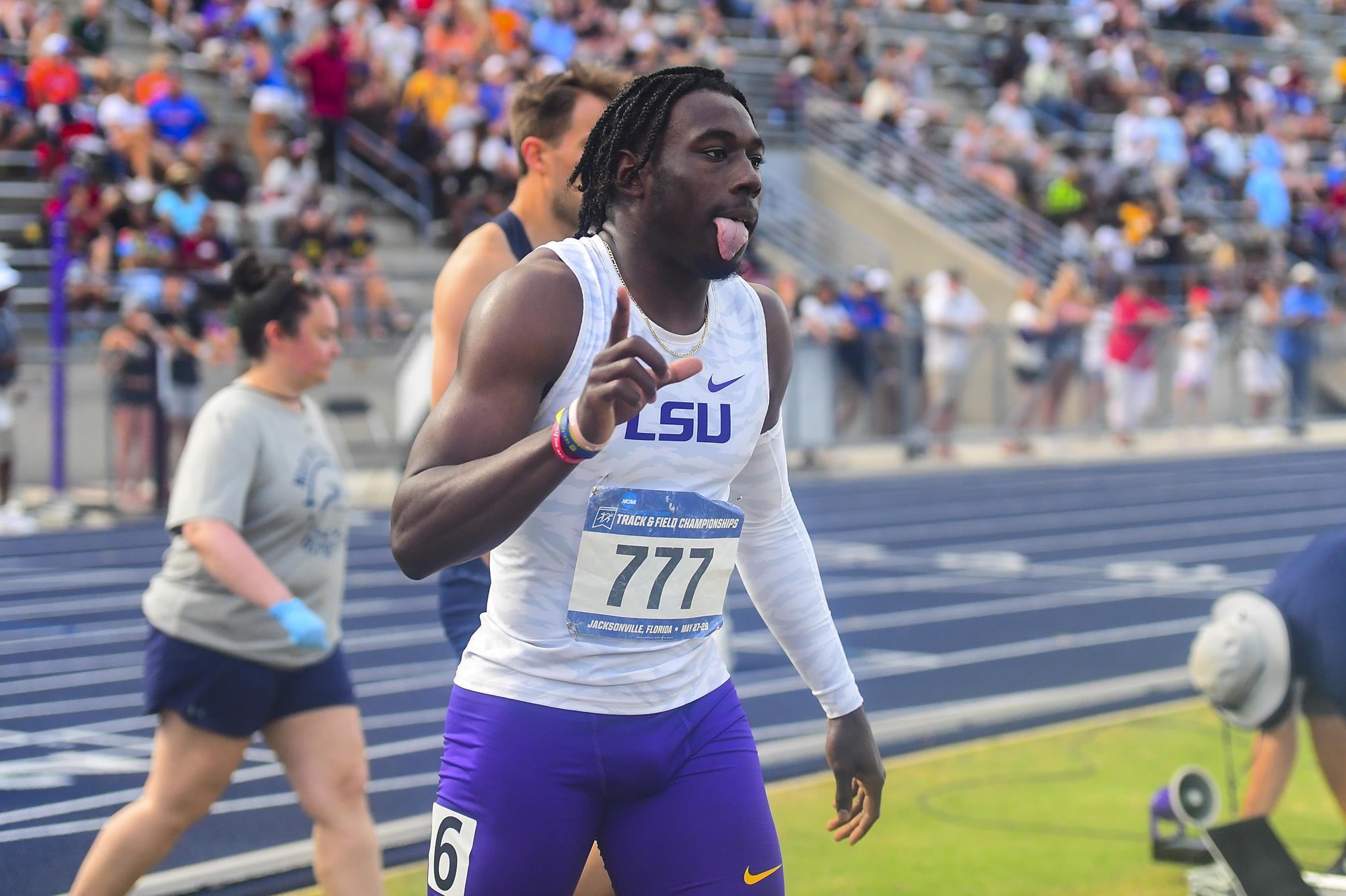 L'Américain Sean Burrell bat le record du monde du 400 mètres haies au championnats universitaires 2021 (NCAA)