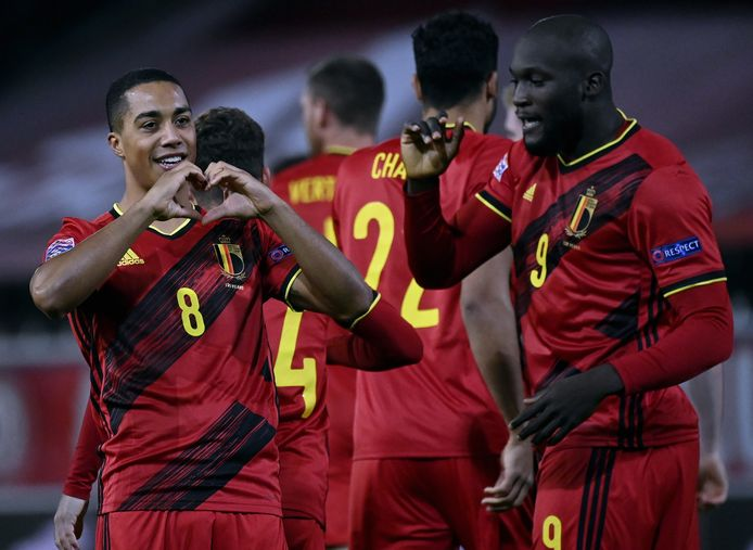 Tielmans (8) et Lukaku (9) de Belgique auraient pu former le même duo sous le maillot de la RD Congo.