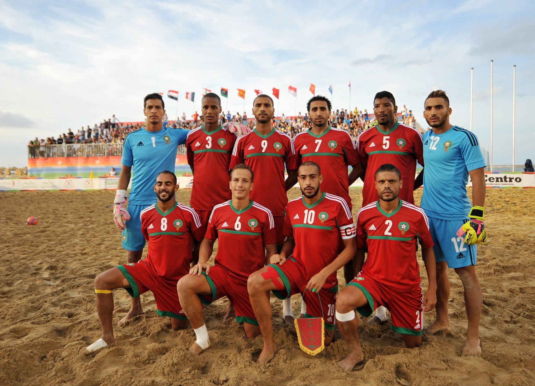 La sélection marocaine de beach soccer, 3e de la dernière CAN de la discipline au Sénégal. Pour favoriser son rayonnement dans la discipline, le Maroc va lancer son championnat national pour la première fois.