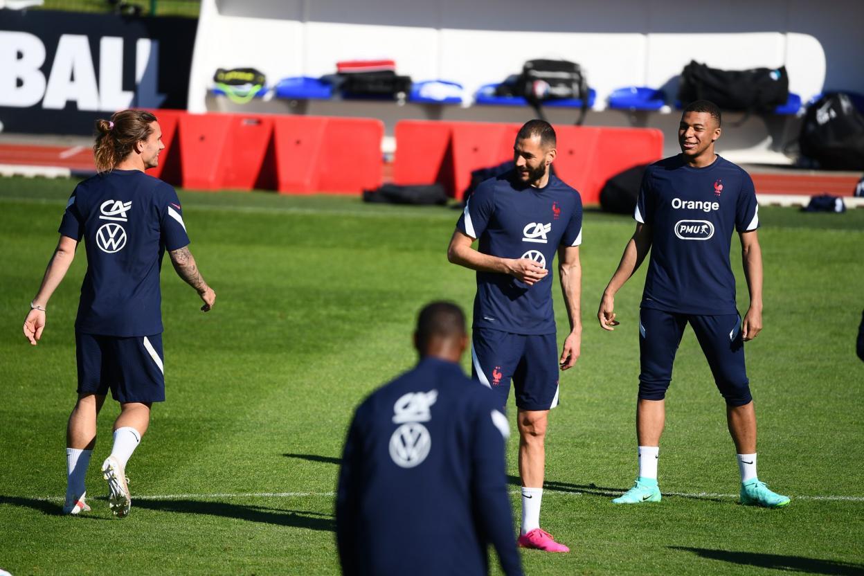 Les Bleus sont en huitièmes avant d'avoir joué leur troisième match de groupe, contre le Portugal, mercredi.