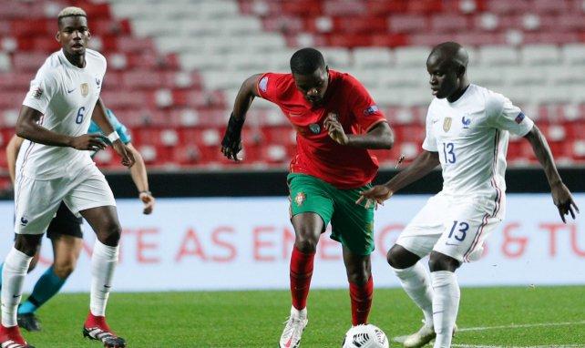 Pendant l'Euro, les Français Paul Pogba (6) d'origine guinéenne et Ngolo Kanté (13), originaire du Mali, seront face au Portugais William de Carvalho, né à Luanda.