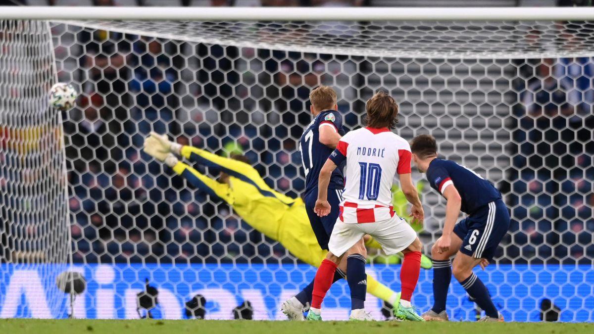 Le Croate Modric (10) buteur et passeur face à l'Ecosse (3-1).