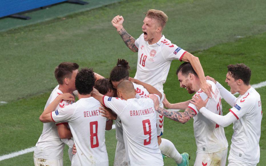 La joie des Danois après leur qualification en huitièmes de finale de l'Euro 2020.