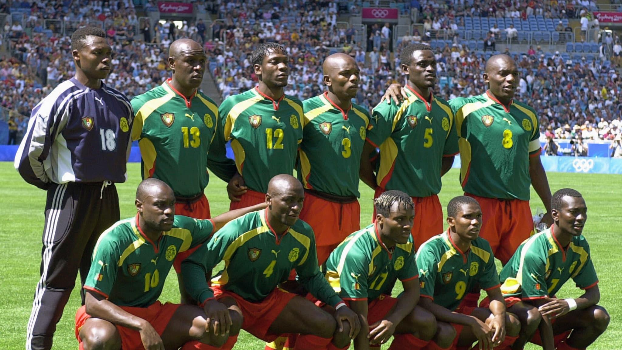 L'équipe du Cameroun médaillé d'or aux Jeux olympiques Sydney 2000.