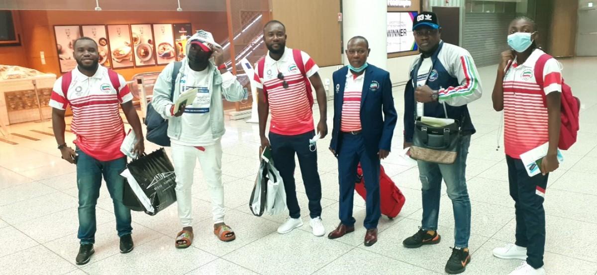 Les athlètes équatoguinéens à leur arrivée à Tokyo.