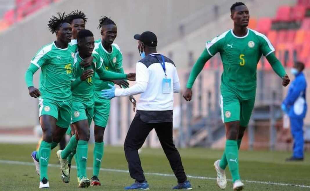La joie des Sénégalais, qui ont éliminé aux tirs au but l'Eswatini pour se hisser en finale de la Coupe COSAFA. Ils affronteront l'Afrique du Sud.
