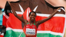 Jackline Chepkoech remporte la médaille d'or au 3000 m steeple