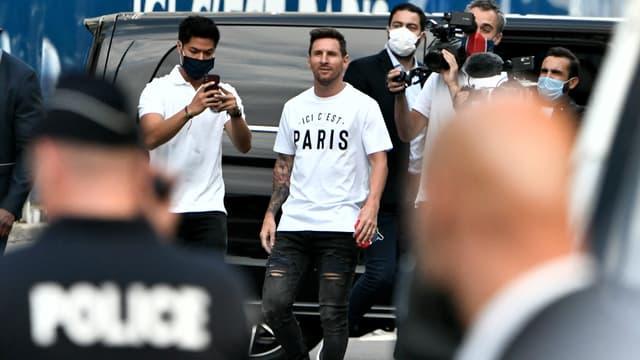Lionel Messi commence à prendre la température de Paris.