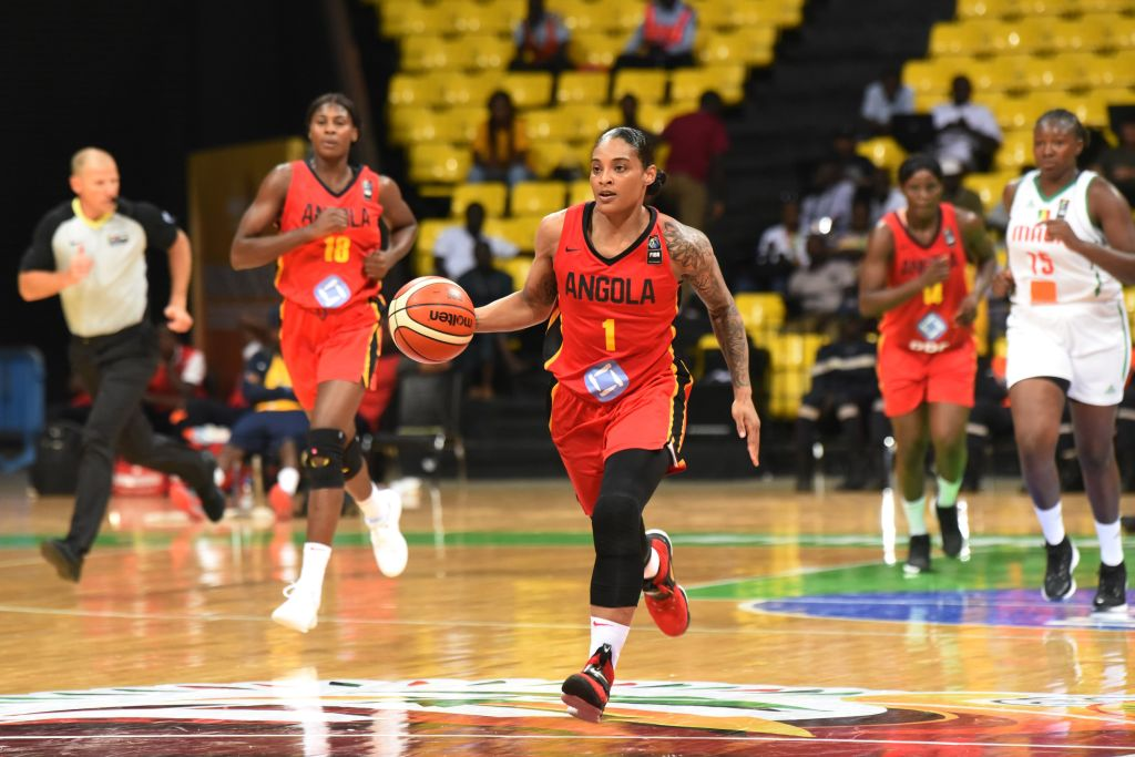 Angola's Italee Lucas dribbles the ball during the FIBA Women's AfroBasket 2019 Group Phase C basketball match between Mali and Angola at Dakar Arena in Dakar on August 10, 2019. (Photo by Seyllou / AFP)        (Photo credit should read SEYLLOU/AFP via Getty Images)