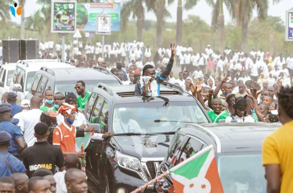 Niyonsaba a paradé dans les rues de Bujumbura.