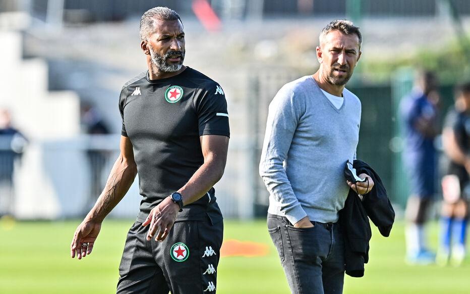 Habib Bèye (à gauche), coach intérimaire du Red Star.