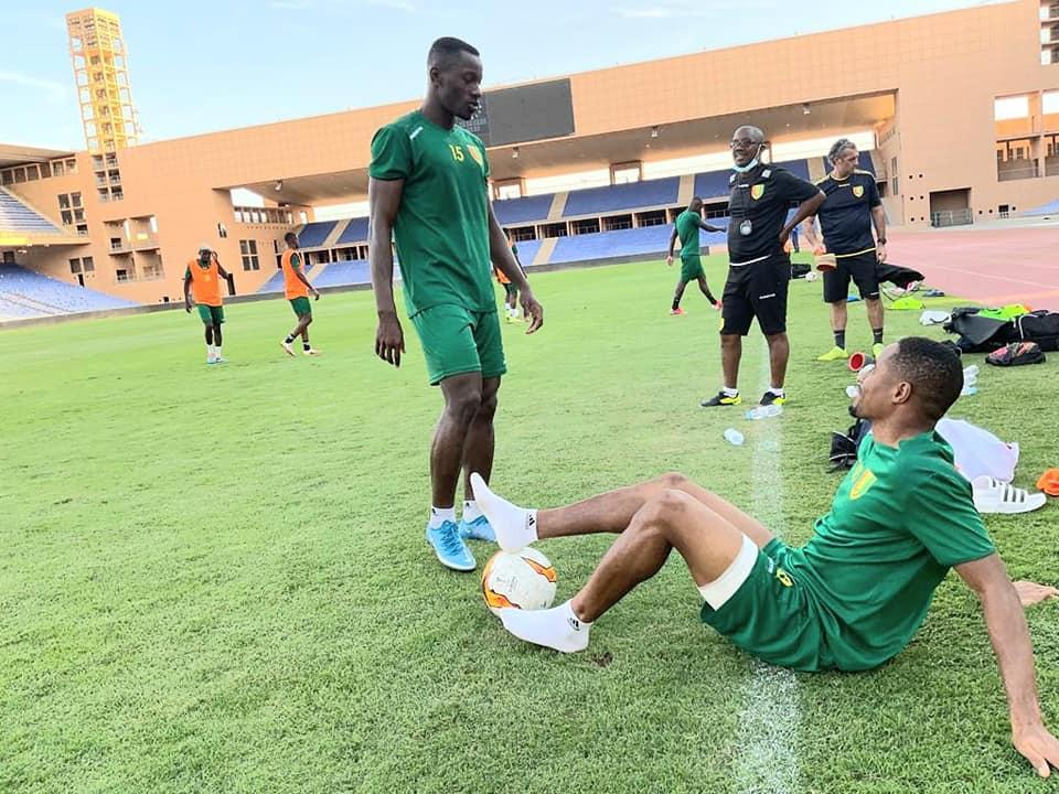 François Kamano (debout) et Aly Keïta ne seront pas de la partie contre le Soudan, ce mercredi 6 octobre.